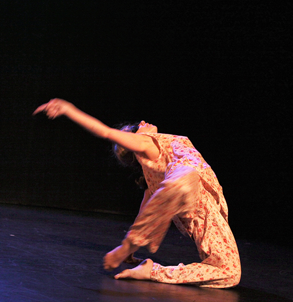 Tanja Faylene Woloshen. Performance image in blurred motion. Photo credit: Leif Norman