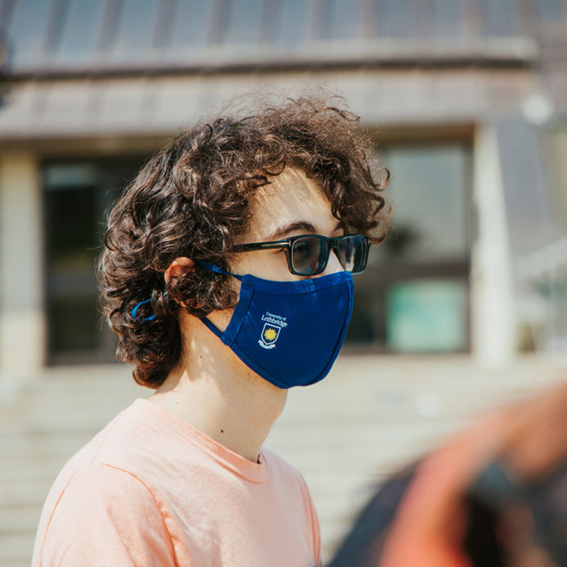Student wearing cloth mask