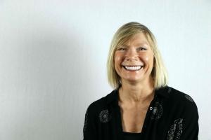 Dr. Louise Barrett