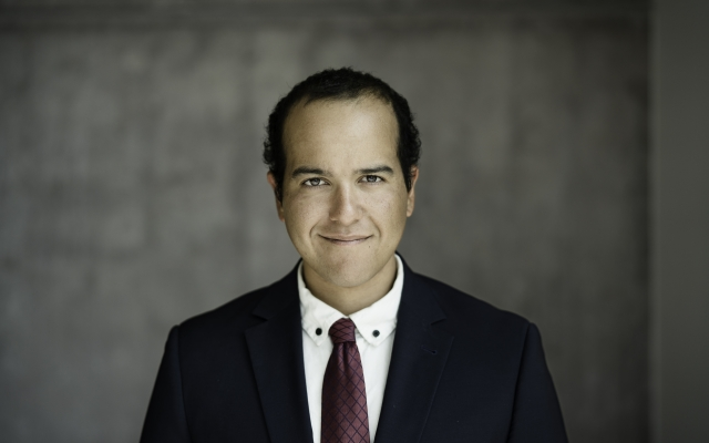 Headshot of Felipe Ferreira