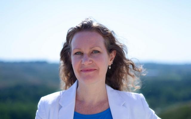Dr. Sandra Stringer