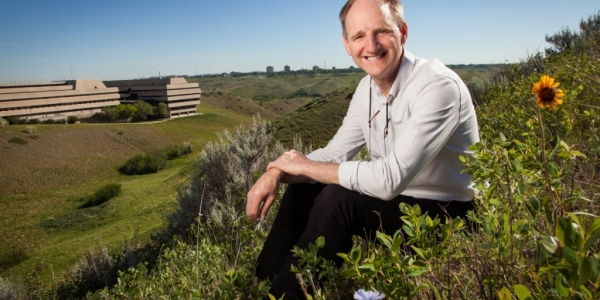Working closely with Indigenous communities, Dr. Roy Golsteyn (BASc (BSc) '84) tests prairie plants for anti-cancer medicines