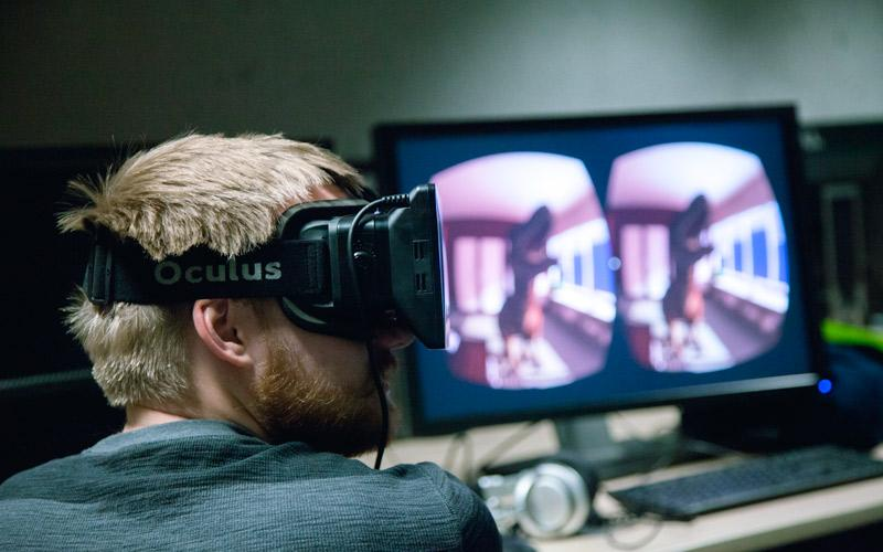 Image of student using Oculus Rift VR headset